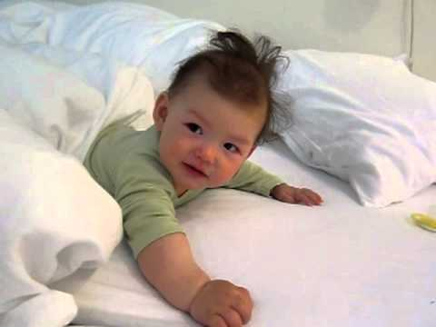Super cute baby wakes up from nap (VIDEO)
