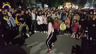 Nhảy ngẫu hứng cùng bạn nữ xinh đẹp nóng bỏng | Phố Đi Bộ phấn khích | Street Dance