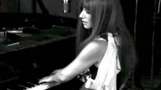 Tori Amos - Sometimes Things Break