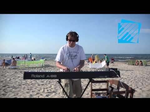 Roland A 88 demo - fortepianowa doważona klawiatura młoteczkowa z wymykiem dla pianisty (видео)