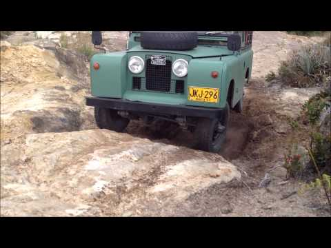 Stock 4x4 Jeep cj7 Land Rover Santana Land Rover Discovery  Soft rock and sand