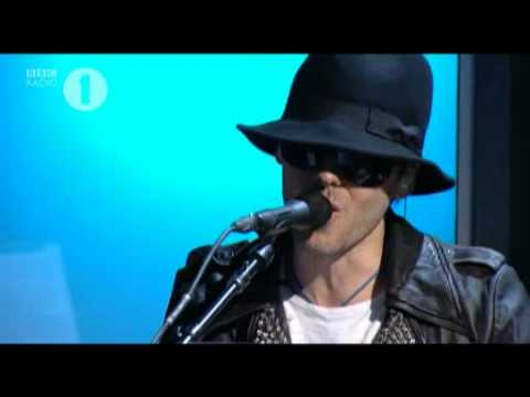 30 Seconds to Mars – Bad Romance Live