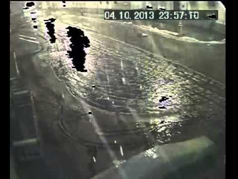 Водитель BMW X5 сбил женщину и мужчину