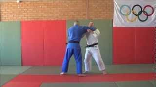Here is a really cool sode tsuri komi goshi setup I learnt from Watching jimmy pedro fight, If you liked it why not leave a comment and share it with your fr...