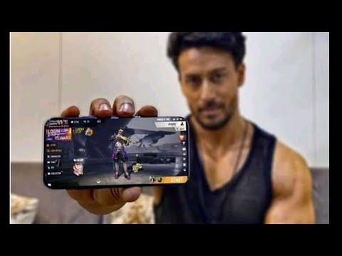 Tiger Shroff playing free fire    Tiger Shroff Free Fire Gameplay    Free Fire Redeem Code Today