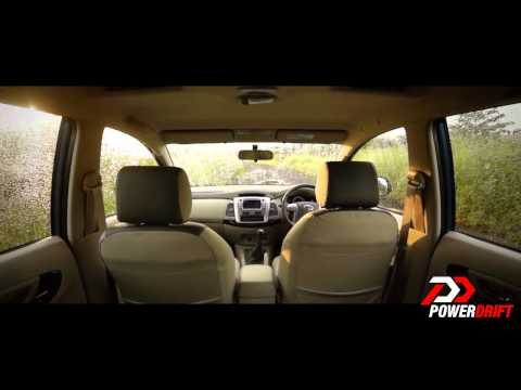 New Toyota Innova 2013: Interiors: PowerDrift