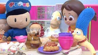 sarışın niloya ve bart simpson yemekte şaka oyuncakları ile ortalığı birbirine katar pepee kaçar 4k