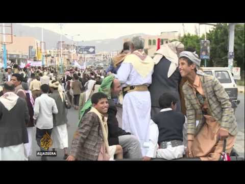 Government - In a show of support for the government, thousands of people have rallied in Yemen's capital denouncing rival protests. Demonstrators slammed the Shia Houthis for fostering recent unrest,...