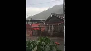 O internauta André Ramalho gravou a chuva chegando à Rio Preto, na Zona da Mata de Minas Gerais na segunda-feira, dia 12. Quer ver o vídeo de sua cidade aqui...
