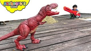 Video Attack of the RED TREX   Skyheart saves plushies dinosaurs for kids nerf war MP3, 3GP, MP4, WEBM, AVI, FLV Juli 2018