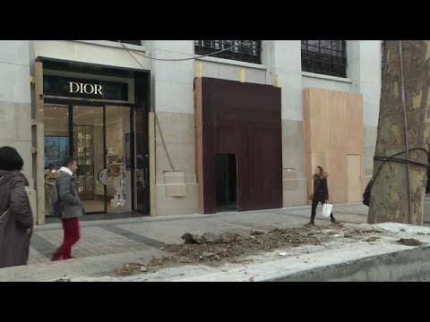 «Επί ποδός πολέμου» το Παρίσι ενόψει «Κίτρινων Γιλέκων»…