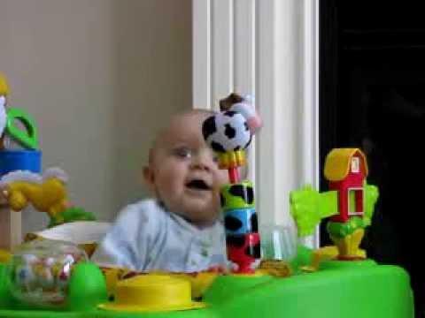 Baby erschreckt sich vor Nasenputzen