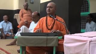 Swami Nalinanand Giri Ji- Satsang(Dhun) In Anand Ashram KANHANGAD,KERALA Part2