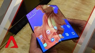 Video Huawei's foldable phone, the Mate X: Is it worth US$2,600? MP3, 3GP, MP4, WEBM, AVI, FLV Maret 2019