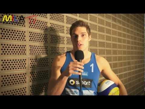 Mila Help mit Paul Becker vom Beachvolleyball Team Becker/Grabowski