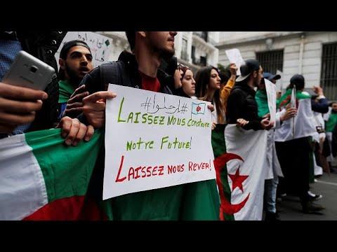 Algerien: Proteste gegen Präsident Bouteflika gehen w ...