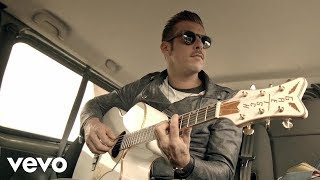 Music video by Francesco Gabbani performing Eternamente Ora. BMG Rights Management (Italy) s.r.l. http://vevo.ly/XdEqfd