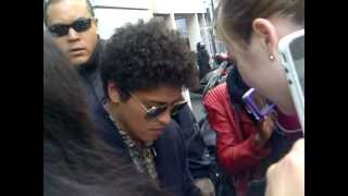 Bruno Mars meeting fans in Paris