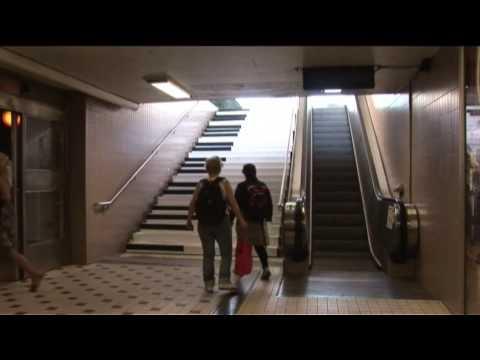 如何讓人自動走樓梯而不搭電扶梯?很有創意~