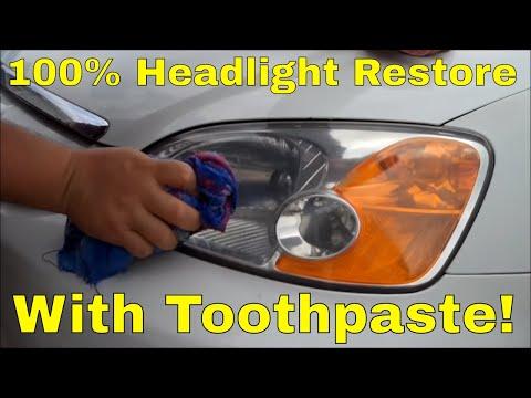 Καθαρισμός φανών αυτοκινήτου με οδοντόπαστα