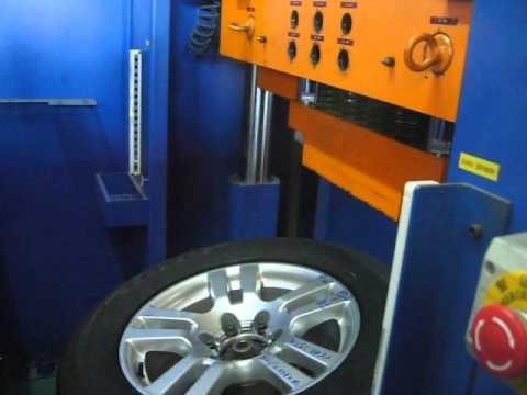 Тест дисков реплика WSP Italy W1766 ERA на удар спицы (Тойота)