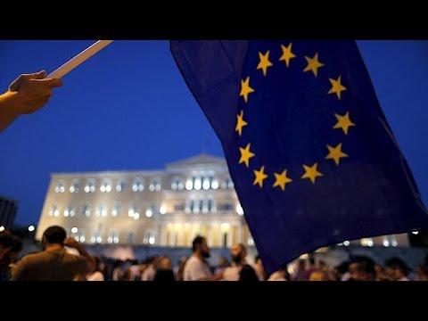 Συγκέντρωση υπέρ της παραμονής της Ελλάδας στην Ευρώπη στην πλατεία Συντάγματος