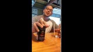 Cách rót bia quá bá đạo :D