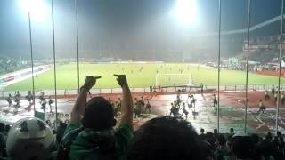 Video Polisi siaga, Bonek nerobos masuk Pertandingan Persebaya vs Indonesia All Star, 6 Desember 2015 MP3, 3GP, MP4, WEBM, AVI, FLV Juli 2018