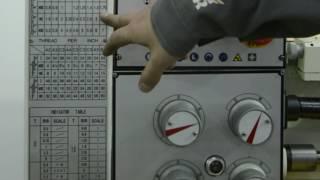 Как нарезать резьбу на токарном станке. Работа...
