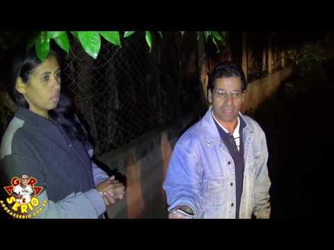 Buraco Gigante pode engolir Casa na Rua Adolfo Antonio Pires e Moradora diz : que a culpa é da Prefeitura de Juquitiba