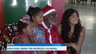 Papai Noel negro tem recepção calorosa no Poupatempo de Bauru