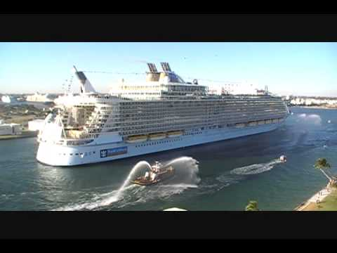 Videos en Youtube sobre la mediática llegada del Oasis of the Seas ayer en Fort Lauderdale