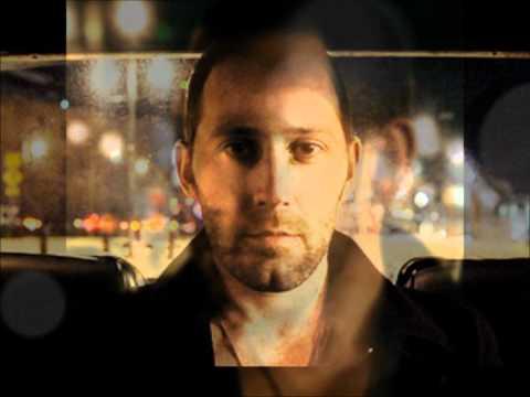 Tekst piosenki Mat Kearney - Crashing Down po polsku