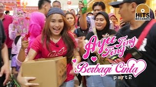 "Video Ayu Ting Ting & Ibu Sri ""Ngamen Sambalado"" Berbagi Cinta Kepada Sesama (2/2) MP3, 3GP, MP4, WEBM, AVI, FLV September 2018"