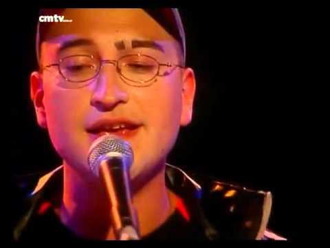 Leo García video Morrisey - CM Vivo 2002