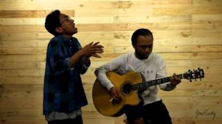 Video Fourtwnty - Aku Bukan Binatang (Unplugged) MP3, 3GP, MP4, WEBM, AVI, FLV Maret 2018