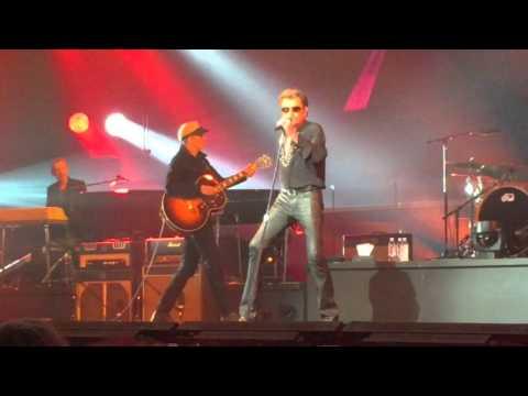 "Johnny Hallyday ""au café de l'avenir"" Genève 2 novembre 2015 видео"