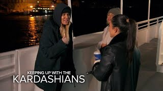 "Video KUWTK | Khloé Calls Out Kourtney: ""What the F--k Are You Here For?!"" 