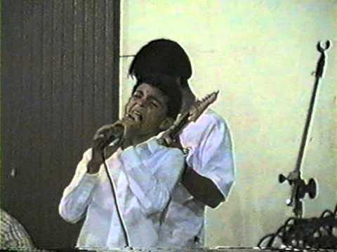 Dailson Melo, cantando em Matos Costa.