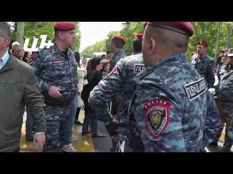 «Բռնոցի» Ֆրանսիայի հրապարակում - DomaVideo.Ru