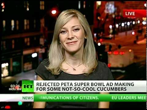"PETA Super Bowl ad: Gettin' it on with ""Veggie Love!"""