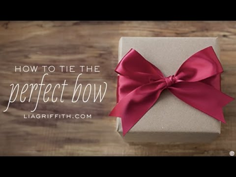 (Ribbon) How to Tie the Perfect Bow