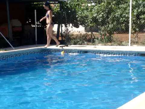 Todas al agua,de cabeza jenny!! =)