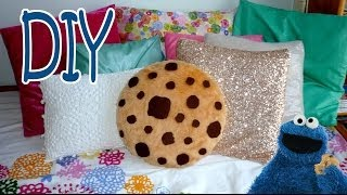 DIY ROOM DECOR ❤ Super simple COOKIE PILLOW! (Sew/No sew) - YouTube