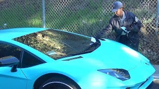 Video Uh Oh! Justin Bieber Gets Parking Ticket While Hiking Runyon Canyon MP3, 3GP, MP4, WEBM, AVI, FLV September 2018
