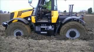 Video Case and JCB Fastrac stuck in the mud MP3, 3GP, MP4, WEBM, AVI, FLV Juni 2017