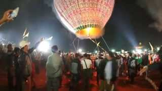 Taunggyi Myanmar  city photo : 2014 Taunggyi Fire Balloon Festival in Taunggyi, Myanmar.