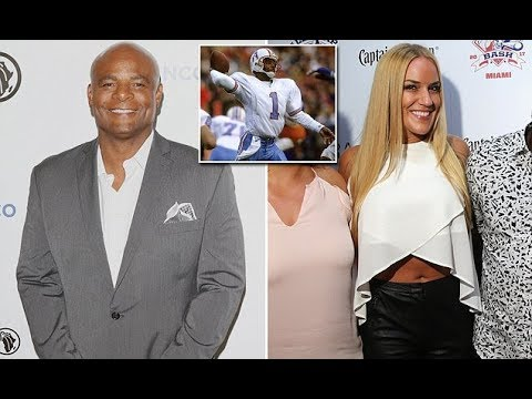 Hall of Fame quarterback Warren Moon sued for hara ssment
