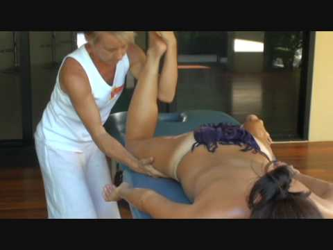 Hawaiian Lomi Lomi (Kahuna) Massage & Training - Essential Bodywork (видео)