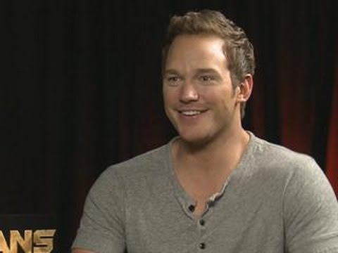 Chris Pratt Interrupts Interview To French Braid Intern's Hair
